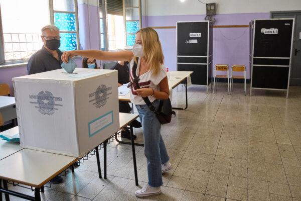 Elezioni, riaperti regolarmente i seggi: affluenza referendum al 40%
