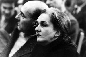 anni '70 Rossana Rossanda (Pola, 23 aprile 1924) è una giornalista, scrittrice e traduttrice italiana, dirigente del PCI negli anni cinquanta e sessanta e cofondatrice de il manifesto. nella foto: Rossanda Rossana