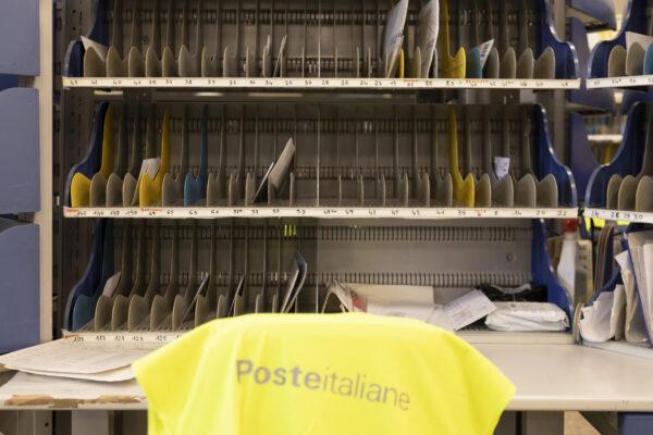Multa da 5mln a Poste Italiane: raccomandate in ritardo e danni alla giustizia