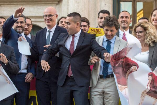 Referendum, la facile retorica dei tagli mirati alle poltrone