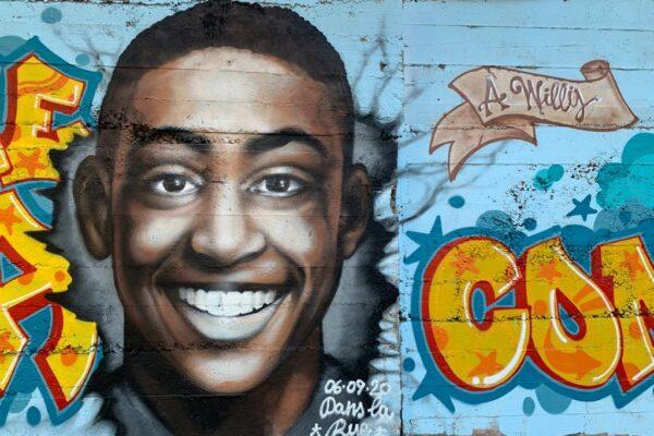 """""""Un sorriso contro ogni violenza"""", Roma ricorda Willy con un murales"""
