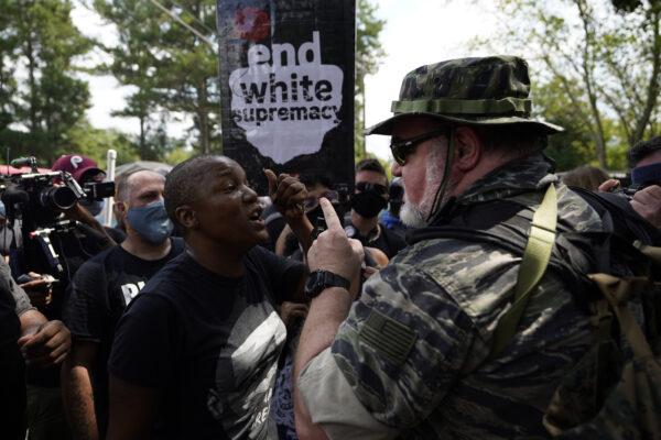 Usa, sangue sulla campagna elettorale: freddato afroamericano, nuove proteste