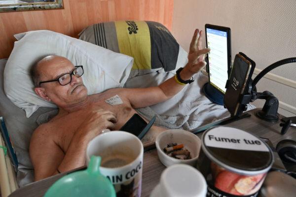 Alain Cocq, malato incurabile che sceglie di morire in diretta su Facebook: ma il social lo blocca