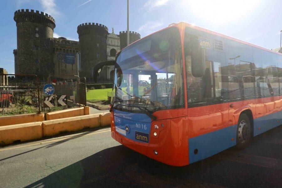 De Luca potenzia i trasporti: in strada 290 mezzi in più