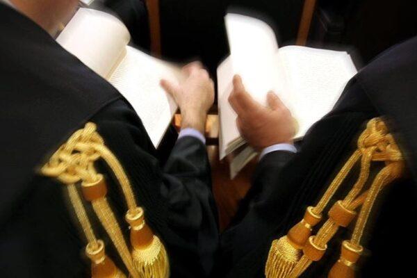 Gli avvocati vengano formati in tribunale, basta lezioni frontali!