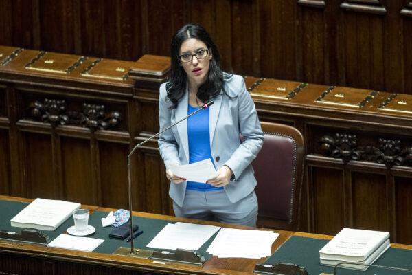 """Scuola, la ministra Azzolina: """"Ripartiti gli investimenti, servono più proposte e meno scontro politico"""""""