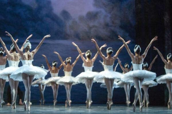 Teatro San Carlo di Napoli, la danza resta in lockdown: nessuna tutela per i lavoratori precari
