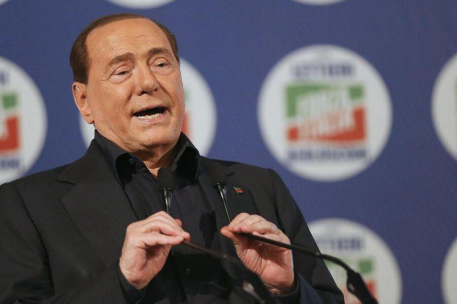 Paura per Silvio Berlusconi, l'ex premier ricoverato per problemi cardiaci
