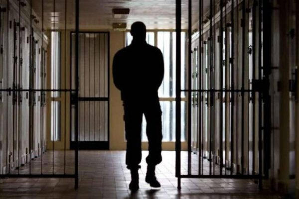 Carceri, rieducazione ed emergenza covid: l'assemblea dei Garanti dei detenuti a Napoli