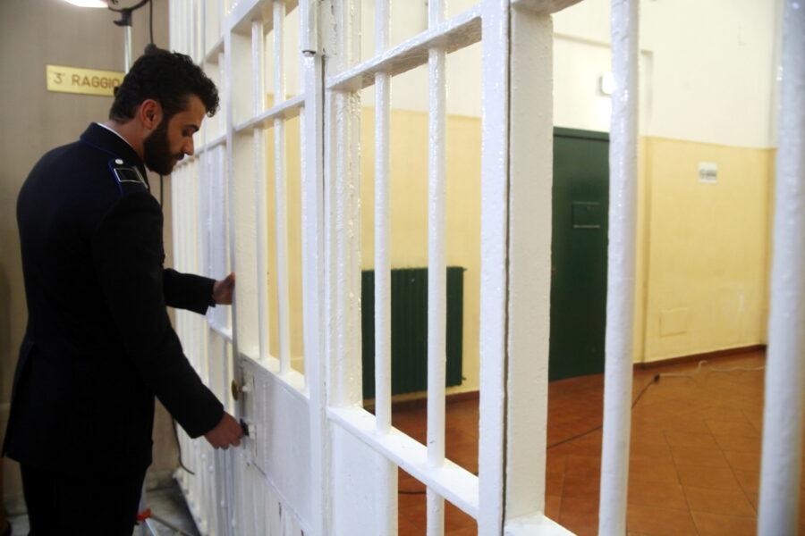 Campania, sempre meno persone riescono a scontare la pena lontano da una cella