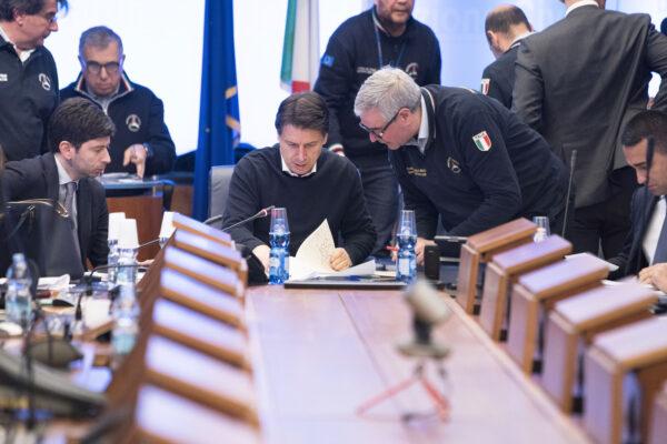 """I verbali del Cts: """"Governo decise di tenere il piano anti-Covid segreto"""""""