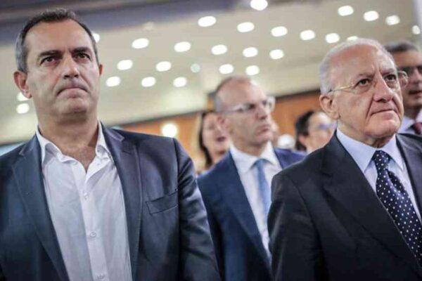 De Luca fa campagna elettorale per la Regione ma punta al Comune di Napoli