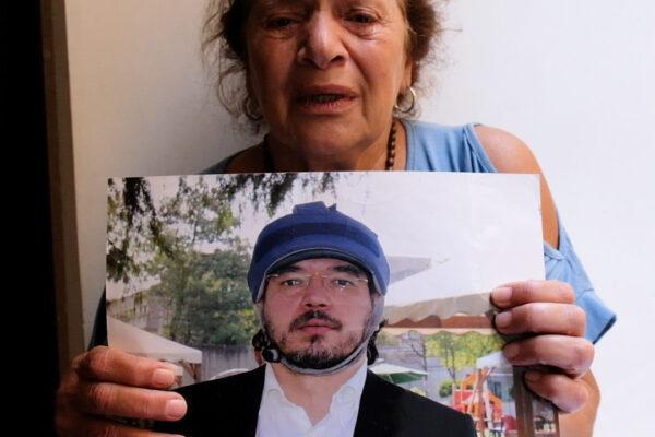 """""""Stanno uccidendo mio figlio Ezio"""", la disperazione di mamma Carmela"""