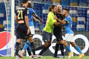 Serie A, slitta la decisione sul rinvio di Genoa-Toro: tutti negativi i tamponi del Napoli