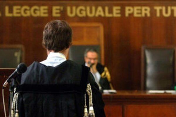 Giustizia a rilento, è fumata nera tra giudici e avvocati
