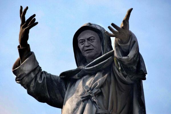 "Gratteri come Savonarola: ""I politici siano come i monaci buddhisti"""