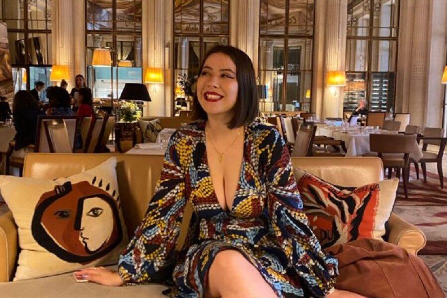 Francia, ragazza respinta all'ingresso del Museo d'Orsay per la scollatura