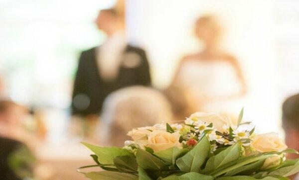 Matrimonio finisce in tragedia, sposa ustionata dal flambé al suo arrivo al banchetto