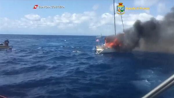 Esplosione in mare a Crotone, quei finanzieri eroi portatori di speranza