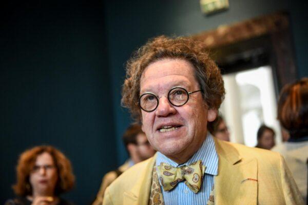 Morto Philippe Daverio, storico dell'arte che ha raccontato l'Italia: aveva 71 anni