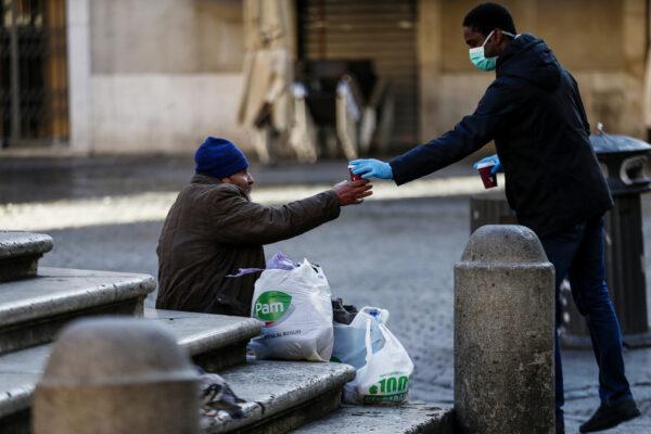 Compassione e ammalati: stiamogli accanti