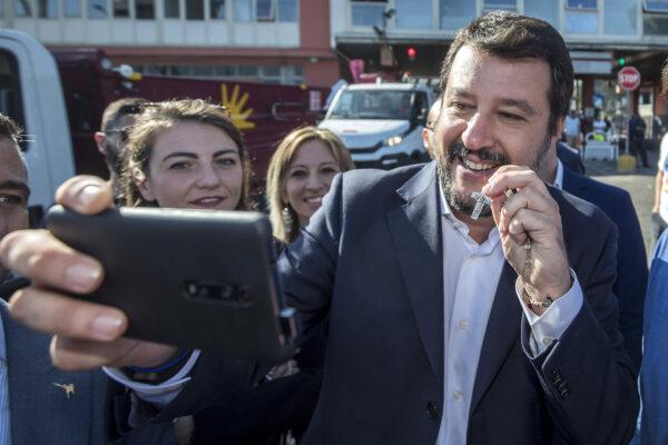 Rosario ai comizi, è stato Salvini stesso a farne un simbolo politico