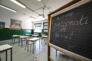 Scuola, inizia la riapertura in alcune regioni: restano ancora nodi da sciogliere