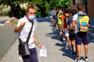Coronavirus, ok dal Cts ai test rapidi a scuola: si parte con un campione di 800mila ragazzi