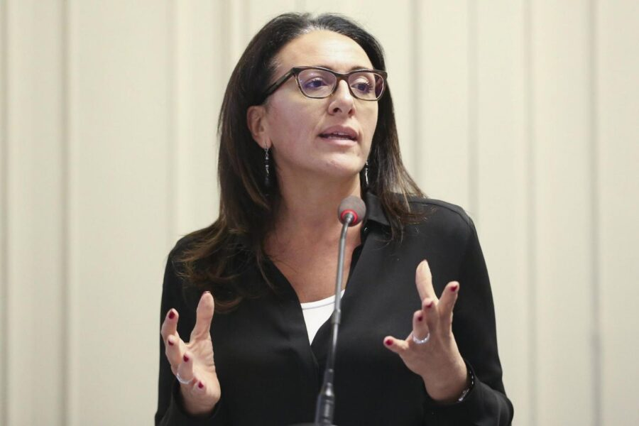 """""""Una legge speciale per Napoli? Si, ecco come"""", la proposta di Valeria Valente"""
