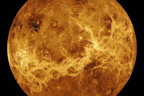 C'è vita su Venere, o forse no. Tracce di fosfina ma va studiata