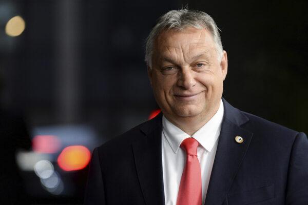 Per Orbán il virus non è sovranista: Ungheria chiude frontiere con l'Ue ma non con Visegrad