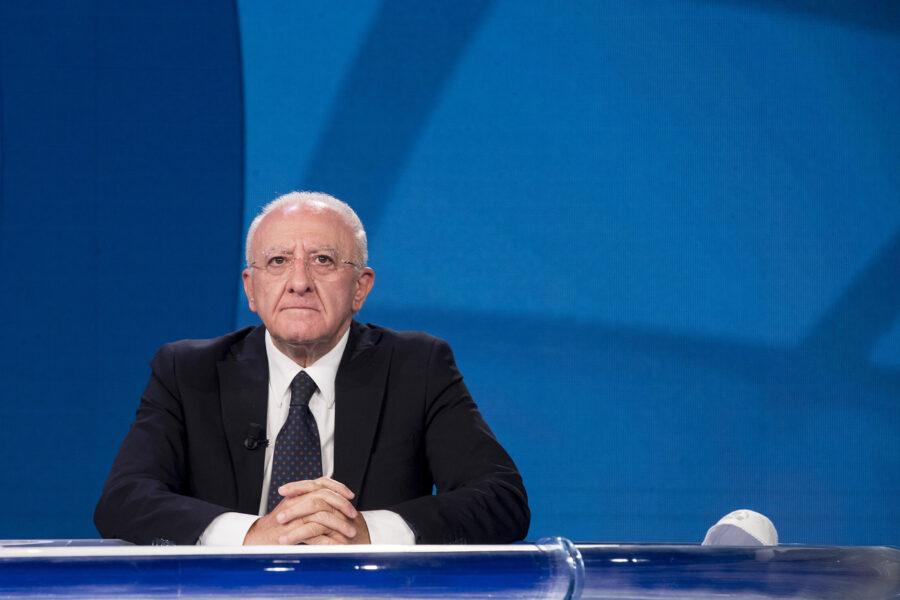 Campania, De Luca convoca una riunione sul monitoraggio nelle Scuole