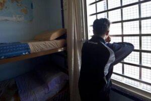 """Detenuto pestato in cella, agente condannato per tortura: """"Decisione storica, nessuno è al di sopra della legge"""""""