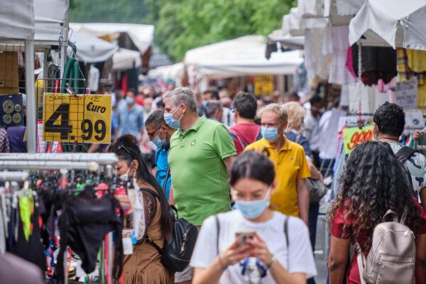 Lazio, mascherine obbligatorie anche all'aperto: in arrivo l'ordinanza
