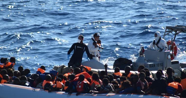 Le navi quarantena sono diventate luogo di dolore, contagio e illegalità