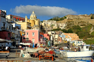 Procida prima isola plastic bags free d'Italia: al via campagna Oceanus, buste di plastica sostituite dal cotone