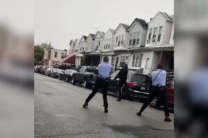 Sparatoria a Philadelphia, la polizia uccide un giovane afroamericano