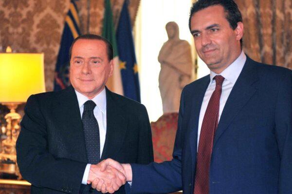 La brutta fine di de Magistris, costretto a sperare nell'aiuto di Forza Italia