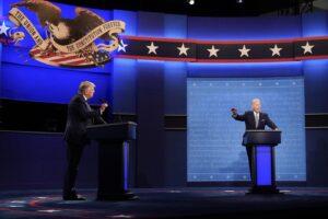 Confronto Biden-Trump, il dem fa da spalla triste al brutto show del presidente