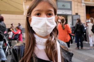 No alla chiusura delle scuole, la protesta contro l'ordinanza imposta da De Luca