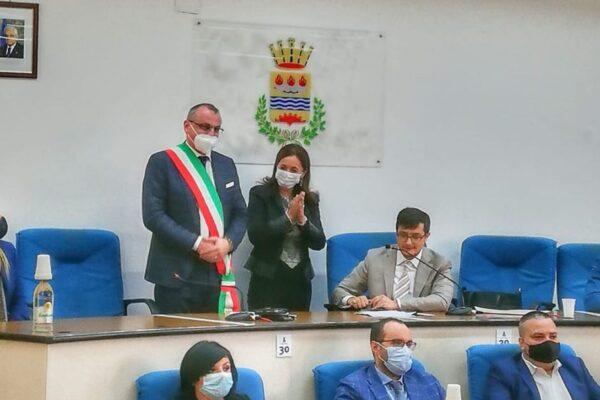 Arrestato per corruzione il sindaco di Eboli Cariello: era appena stato rieletto con l'80% dei voti