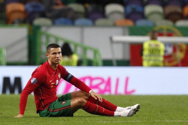 """Il j'accuse di Spadafora su Cristiano Ronaldo: """"Ha violato il protocollo anti-Covid andando in Portogallo"""""""