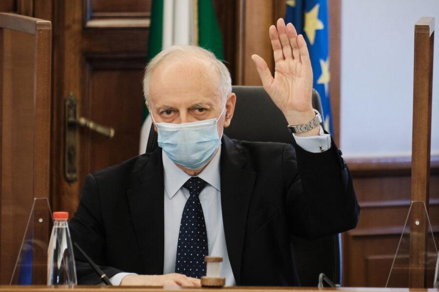 """""""Davigo deve andarsene"""", la Commissione titoli si spacca e rimanda al plenum del Csm la decisione sulla 'cacciata'"""