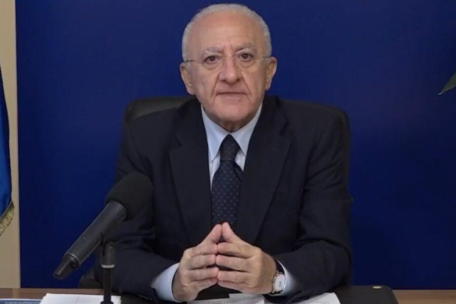 """In Campania 3.186 contagi, De Luca: """"Il peggio deve ancora venire, servono 100 posti letto al giorno"""""""
