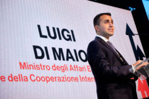 Da 2 mesi 18 pescatori italiani prigionieri in Libia, ma Di Maio tace…