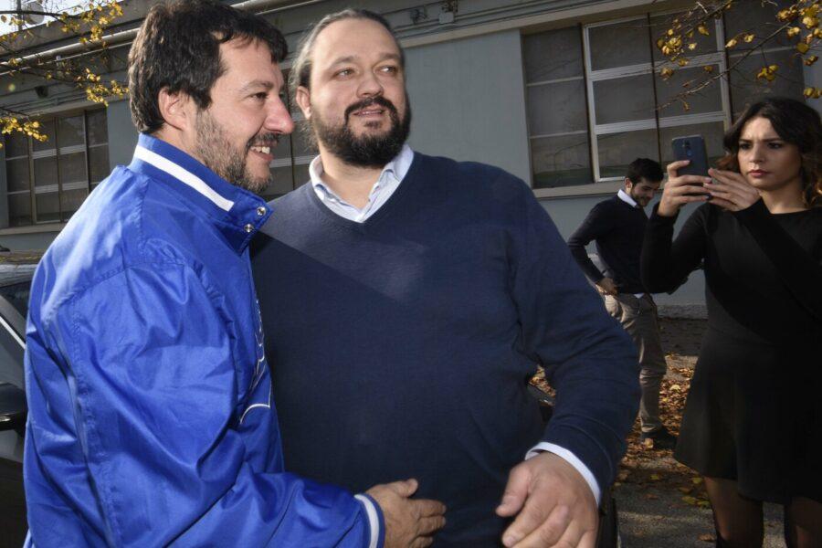 """Per il sindaco leghista di Ferrara Alan Fabbri i 'clandestini' sono """"tumori da estirpare"""""""