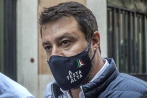 Al via il processo farsa a Salvini, una passerella per i Pm vanitosi
