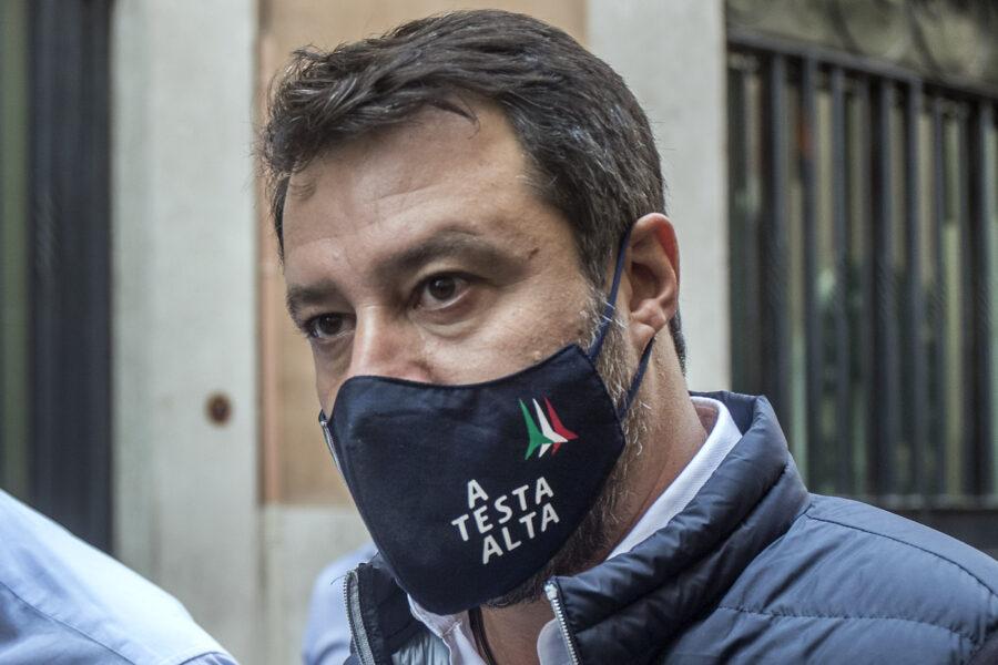 """Tre deputati di Forza Italia passano con la Lega, ma Salvini strillava """"fuori dalle pa**e"""" a chi cambiava partito"""