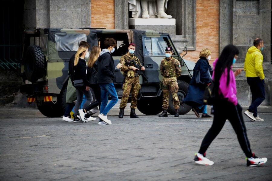Dalla tosse del Covid al balbettio della politica: così Napoli è a rischio