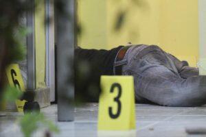 Barbiere ucciso nel suo salone per una faida di camorra, preso il mandante dell'omicidio di Luca Megali